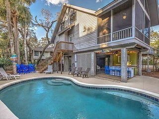 8 Osprey - Oceanviews from your porch & 25 steps to the beach., Hilton Head