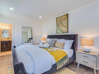 Bedroom 1: Master bedroom, king bed.