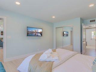 Bedroom 1: Downstairs master, queen bed.