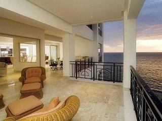 CASA VALLARTA:: Oceanfront Luxury Condo, Puerto Vallarta