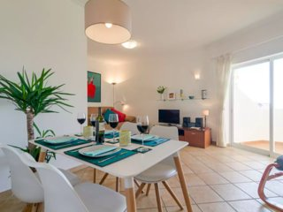 Beautiful 2 bedroom apt in Quinta da Amoreira - close to beach and Alvor village