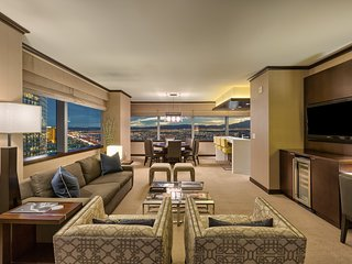 Vdara's Biggest Penthouse! 2+BR/ Stunning 270° Strip Views! Sleeps 7! 45th Floor