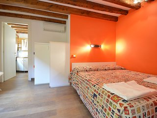 QUENTIN - Biennale: nice apartment few steps from, private external corner