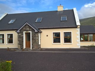 Holiday Rental on The Dingle peninsula, Ballyferriter