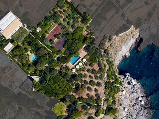 Ca' P'a - Luxury Villa with private seaside & pool, Praiano