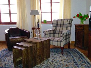 (2) Stylish apartment, historic centre, quiet, Salzburgo