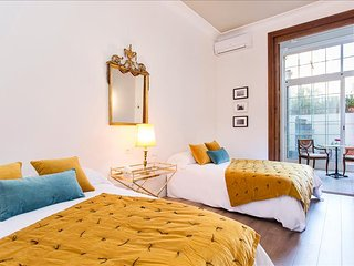 Maison boutique 2. Luxury in Gracia, serviced by Hostmaker, Barcelona