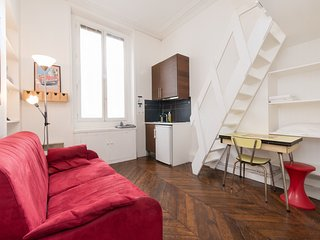 Studio Magenta Rental by North Station in Paris