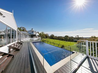 The Residence, South Hampton Luxury Retreat