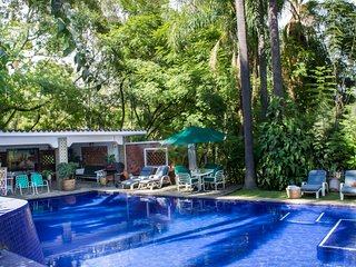 Vintage Villa Amecameca w/ Pool, Tropical Gardens