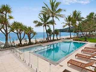 Beachfront Noosa at Fairshore | HASTINGS STREET | OCEAN VIEWS | by Getastay