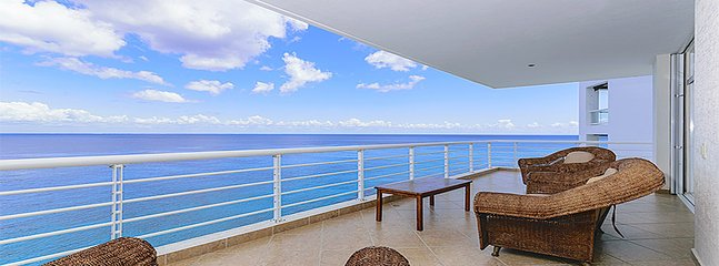 Marazul Condo- Unit 702 (3 BEDROOMS for 7 guests), Cozumel