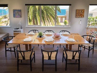Executive Beach House - Cottesloe Beach House Stays