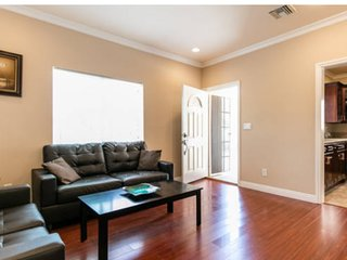 Furnished 1-Bedroom In-Law at Western Ave & Bel Aire Dr Glendale