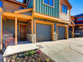 3BR, 3BA Silverthorne Luxury Ski Condo: High-End Finishes Near Ski Resorts!