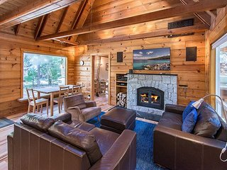 3BR, 2BA Lake Tahoe Cabin For Year-Round Fun – Private Beach & Pier