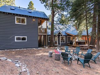 2BR, 2BA Lake Tahoe Cabin For Year-Round Fun – Private Beach & Pier