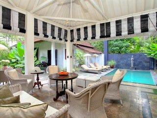 Very Spacious Modern Private 4 Bedroom Villa, Semiyak'
