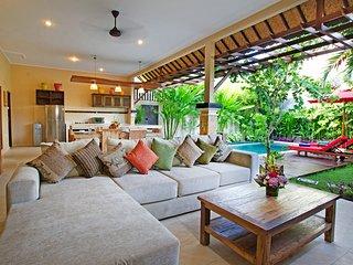 2 Bedroom Villa in Central Seminyak Villa Close To The Beach