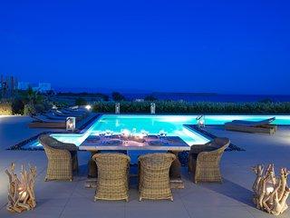 Aelia De Luxe Villa Sharing Pool