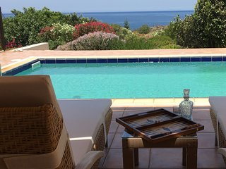 Luxury Private Villa next to the beach with swimming pool and sea views, Acrotiri