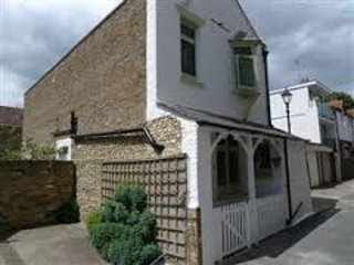 BEAUTIFUL & SPACIOUS FLINT COTTAGE - VIKING BAY - BROADSTAIRS - SLEEPS 8, Broadstairs