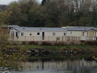 Woodland Vale, Ludchurch. 2 Bedroom Lakeside Holiday Home.