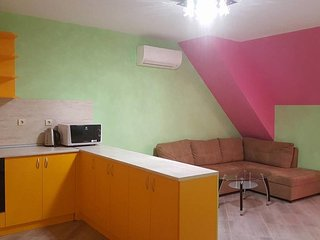 Sunny apartment near to the city center, Sófia