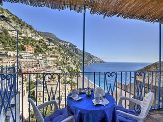 Positano Holiday Home Sleeps 4 with Air Con and WiFi - 5228742