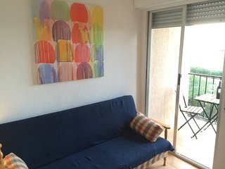 Fully equiped small apartment close to the beach and amenities, La Mata