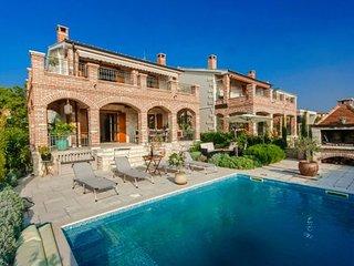 Villa Arta, Kastelir