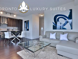 Top Flight - King West Luxury Condo Furnished All Inclusive