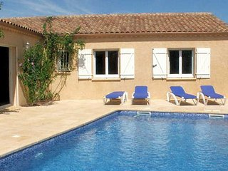 Pezenas holiday villa France with private pool sleeps 8