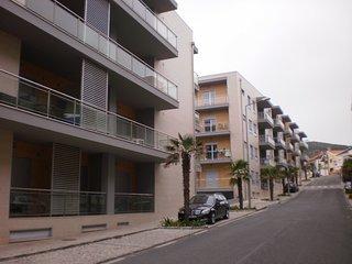 SM B3 -São Martinho do Porto - Outstanding 2 bedroom apartment with shared pool.