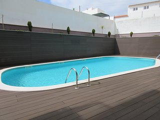 SM B3 -São Martinho do Porto - Outstanding 2 bedroom apartment with shared pool., Sao Martinho do Porto