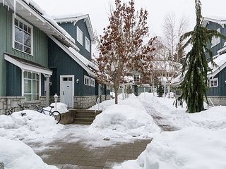 Panoramic Views from this gorgeous 2 Bed Property - Village Location!, Whistler