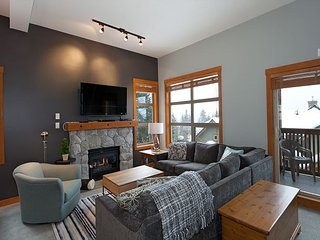 Beautifully Renovated, Fantastic Views Ski in/out 3 Beds - Mountain Star, Whistler