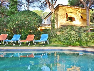 CM431 - Enjoy the pool surrounded by nature!, Cabrera de Mar