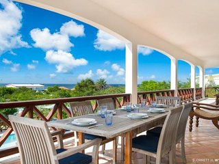 Tamarind Villa - Ideal for Couples and Families, Beautiful Pool and Beach, Shoal Bay Village
