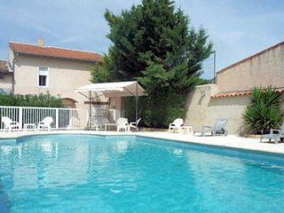 Villa Rose - Montagnac villa South France with private pool sleeps 10-14