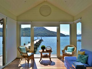 Breathtaking, private, luxury home on Pittwater, Scotland Island