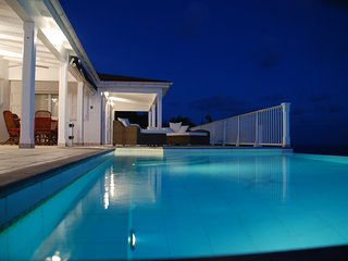 Villa Henson 1 Bedroom Heated Pool Spa Sunset Views A/C whole house, Colombier