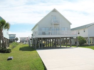 Beach Time: Beautiful 3BR beach house w/private pool & access to the beach