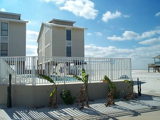 Awbrey: Enjoy this beautiful 4BR beach house with gorgeous views of the beach