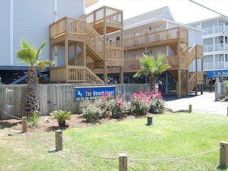 Beach Front 301: HOMEY BEACH SIDE 2 BEDROOM 1 BATHROOM  CONDO.
