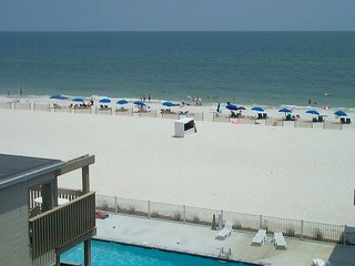Gulf Village 413: 2br/2ba condo with a great side view of the beach