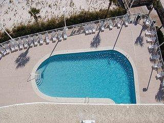 Tradewinds 904: 2br Gulf Front Condo w/beautiful views of the beach