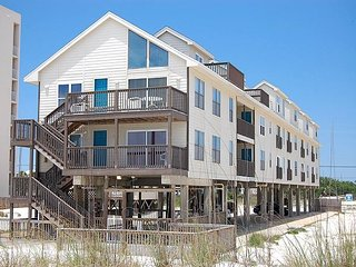 Spyglass 101A: 2bedroom  2 bathroom gulf front condo in GULF SHORES, Sleeps 6