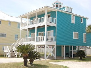Hayley: Beautiful 4 Bedroom, 3+ bath w/Gulf View of the Beach