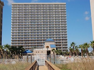 Crystal Tower 1406: Beautiful 2br/2ba condo in Gulf Shores, Sleeps 6